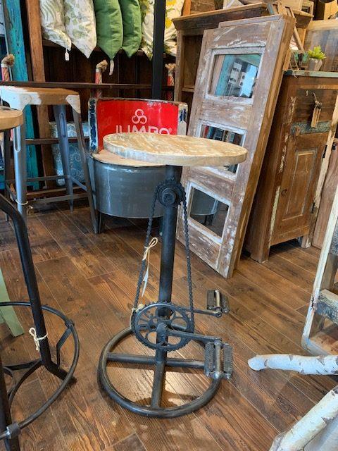 Stool fait avec pédaliers de vélo